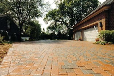 Paver brick driveway by Old World Brick Pavng